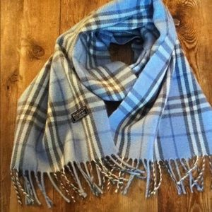 Vintage Burberry's of London classic wool scarf
